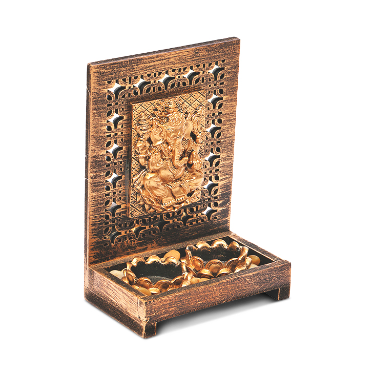 HomeTown Zahara Polyresin Ganesha Brushed Gold,Candle Holders